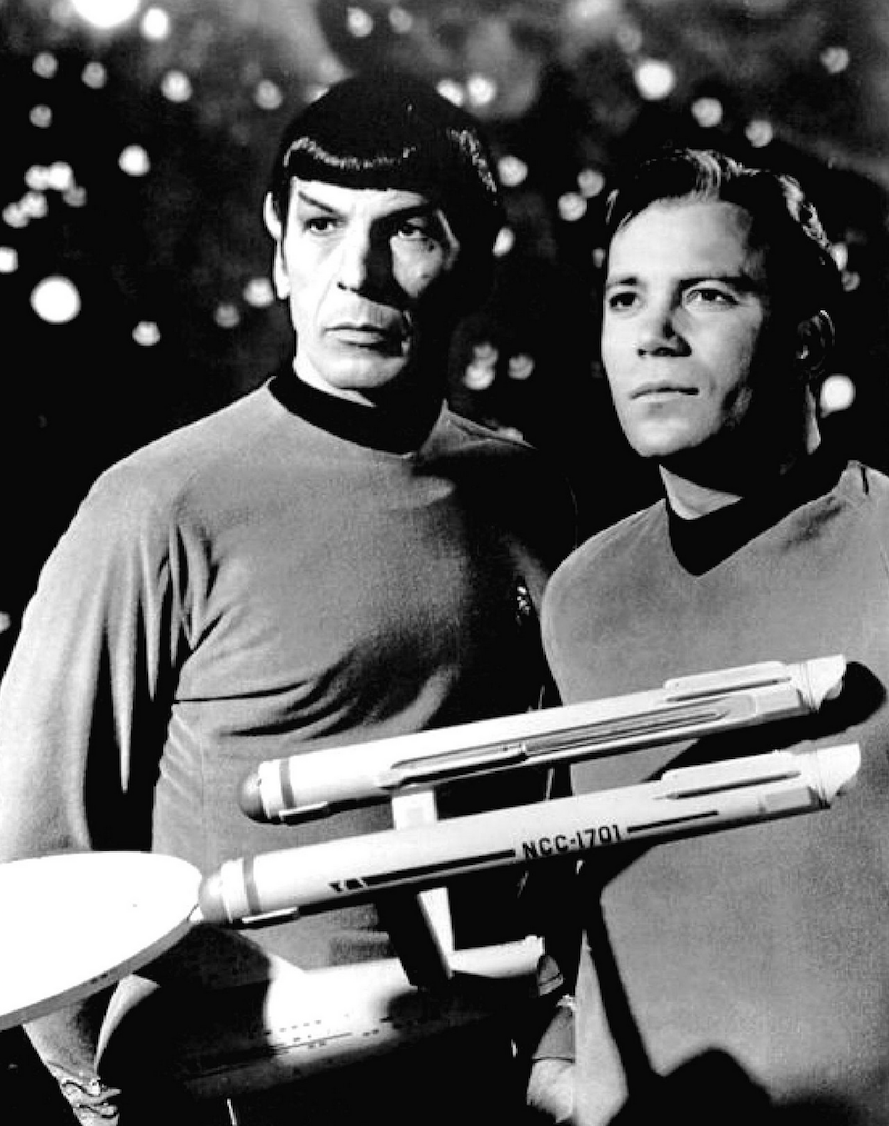 Spock, Kirk and the USS Enterprise 800px